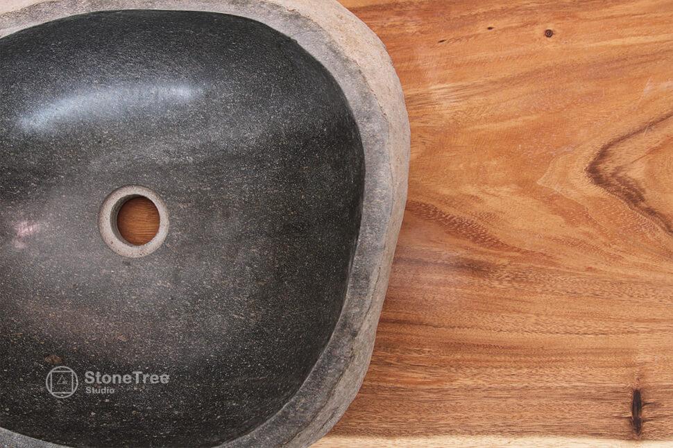 Раковина из речного камня River V