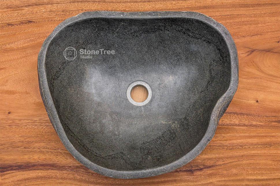 Раковина из речного камня River 46