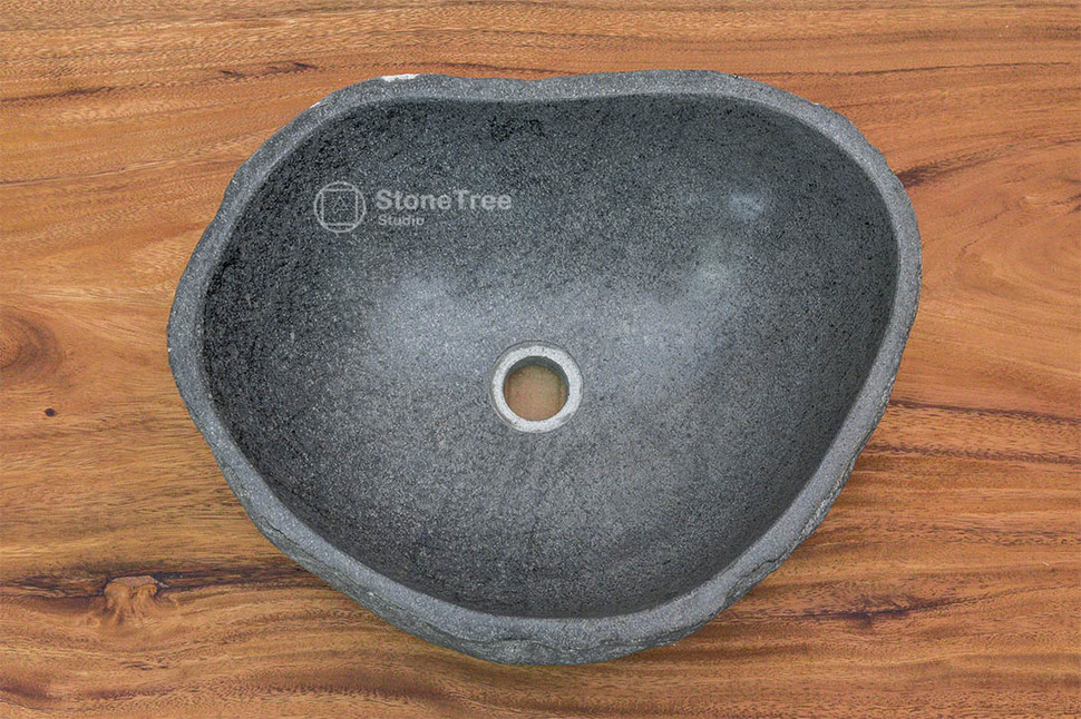 Раковина из речного камня River 39