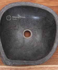 Раковина из речного камня River II